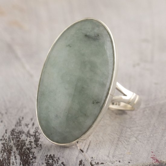 Pale Green Tonalities Handcrafted Minimalist Light Green Jade and Silver Ring ANDR-47