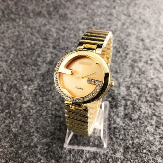 Gucci Style Golden Color Analogue Wrist Watches W-42GL |image