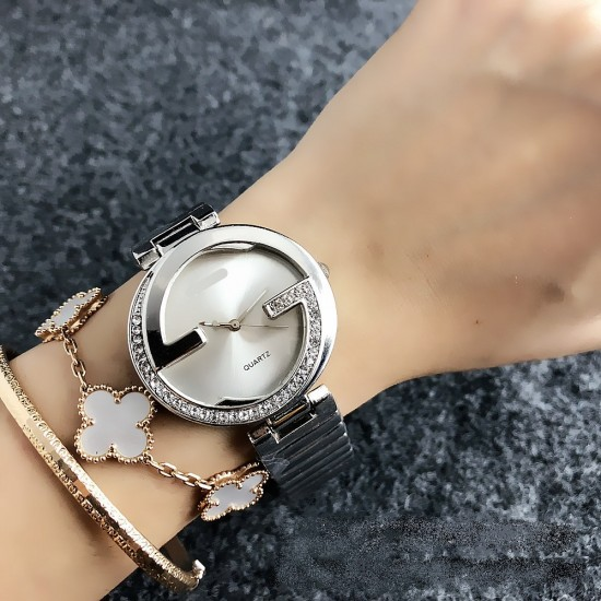 Gucci Style Silver Color Analogue Wrist Watch W-42SL |image