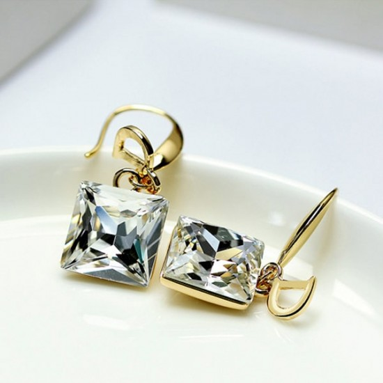 D Letter White Crystal Temperament Wild Decorative Earrings E-28W |image