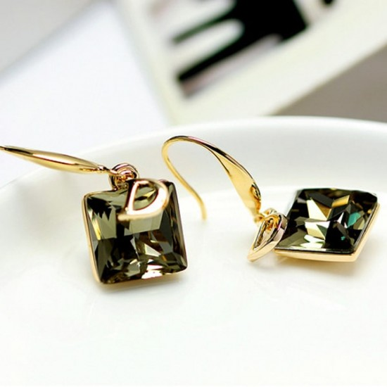 D Letter Green Crystal Temperament Wild Decorative Earrings E-28GN |image