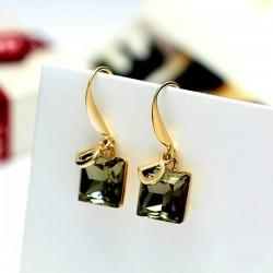 D Letter Green Crystal Temperament Wild Decorative Earrings E-28GN