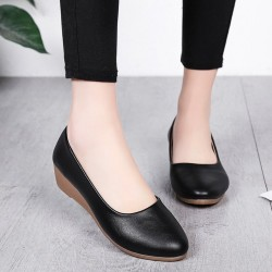 Soft Black Leather Flat Shoes S-140BK