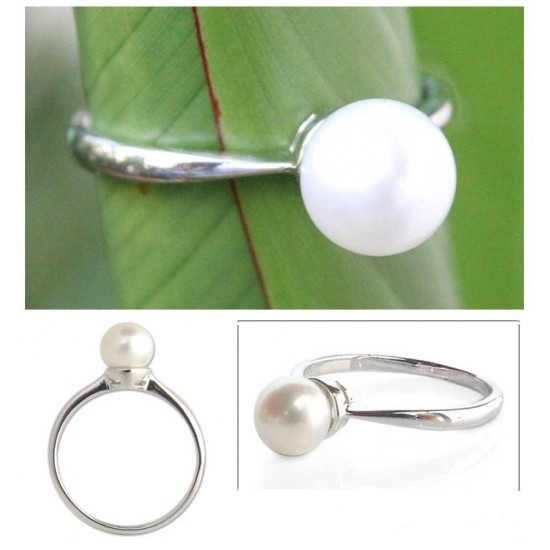 Moondrop Pearl and Silver Solitaire Ring ANDR54