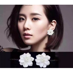 Woman Fashion Wild White Flower Earrings  E-15W