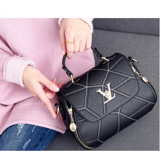Women Fashion V Small Square Shape Black Color Handbag WB-20BK image